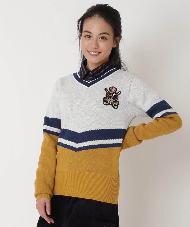 ワッペン付きVセーター