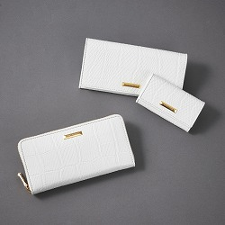 wallet:¥23,100(Tax-in)/¥21,450(Tax-in) Key case:¥16,500(Tax-in)